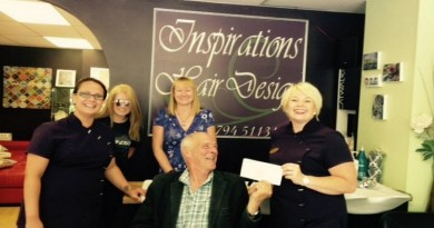 Victoria-Smith-Dowse-receives-cheque