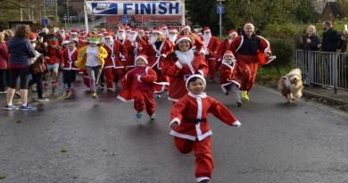 Santa Fun Run at Start Line
