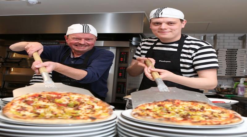 Pizzaexpress Superfan Opens Andover Restaurant Mlg Gazettes