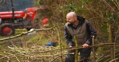 Andrew Birnie (correct), hedgelaying expert