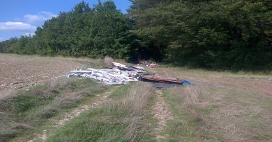 Fly-tipping near Cott Street, Droxford