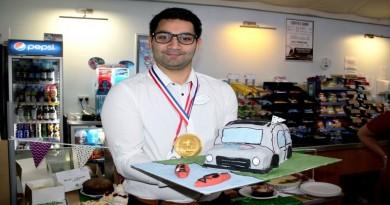 Ben Thambipillai with his winning cake.
