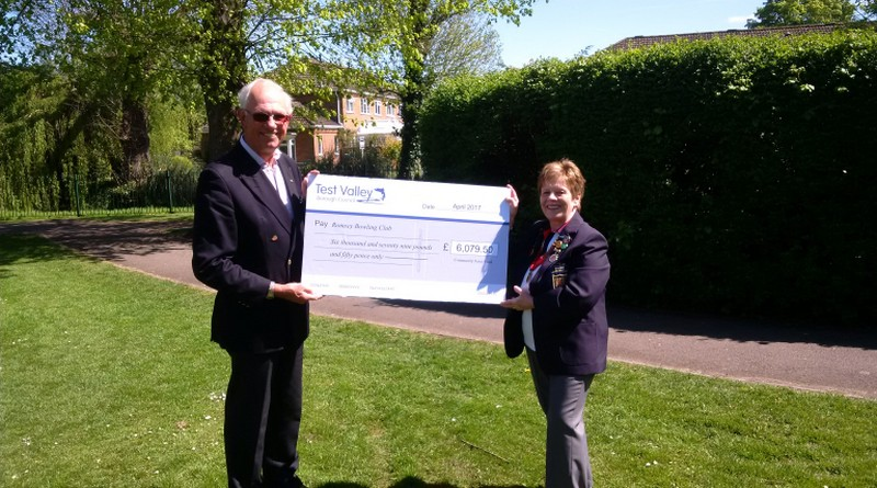 Cllr Collier presents cheque to Romsey Bowling Club