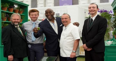 Sparsholt RHS Chelsea 2017 Team with Celebrity Ainsley Harriott