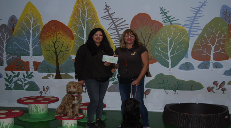 paula_and_gillian_receive_their_cheque
