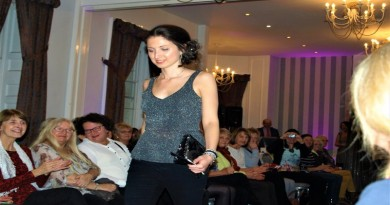 Wessex Cancer Trust fashion show, Shopping and Champers