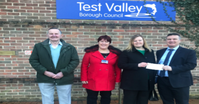 Councillor Carl Borg-Neal, presented Alison with Test Valley Borough Council's £750 Business Incentive Grant