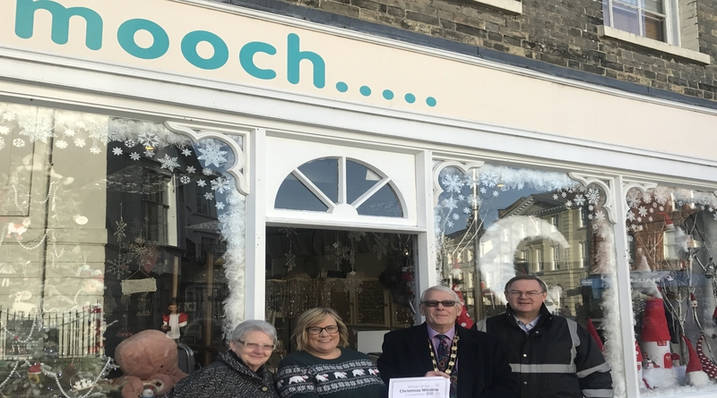 Mooch win Andover 2018 Festive Window Competition