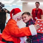 Father Christmas pays flying visit to children and families at hospice 11