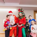 Father Christmas pays flying visit to children and families at hospice 12