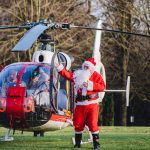 Father Christmas pays flying visit to children and families at hospice 5