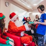 Father Christmas pays flying visit to children and families at hospice 8