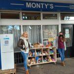 Montys Community Panty, Katie Piper